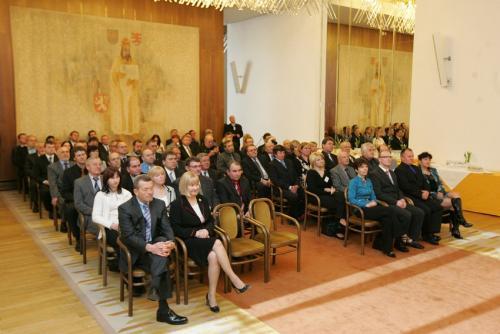 Předávání znaku obce Malé Přítočno v Parlamentu ČR 2012