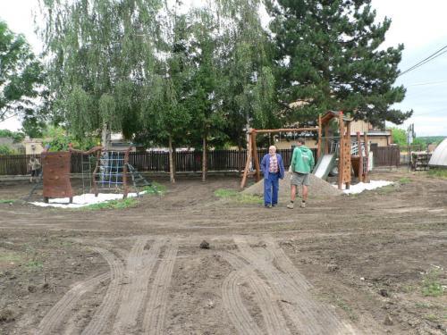 Výstavba dětského hřiště